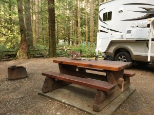 Fraserway Truck Camper im Gordon Bay Provincial Park am Cowichan Lake